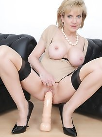 Homemade mature pics - ladies using dildo
